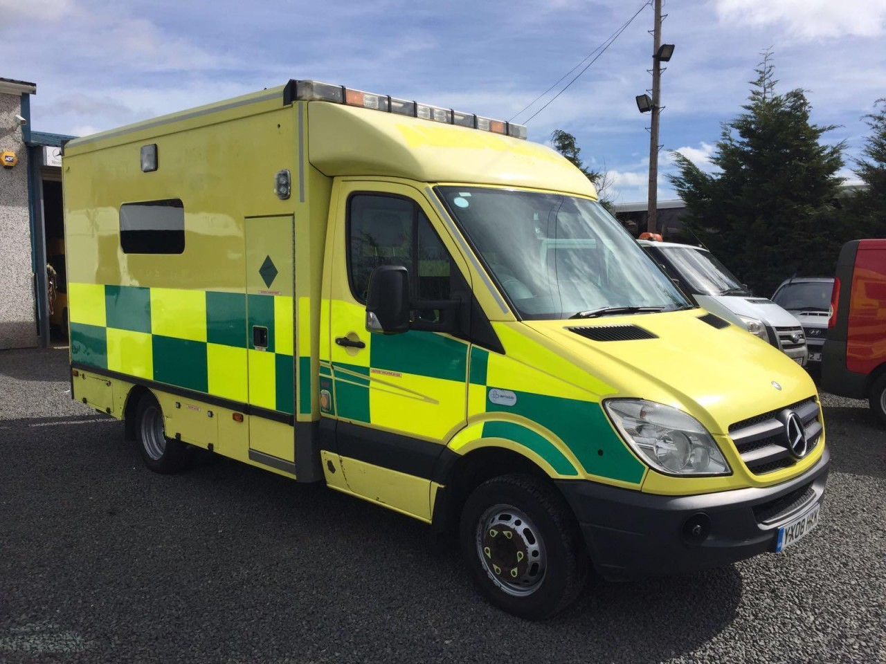 Mercedes benz sprinter ambulances rhd and lhd manual or automatic ready for service 2008 to 2014 models from 8 000 gbp exw